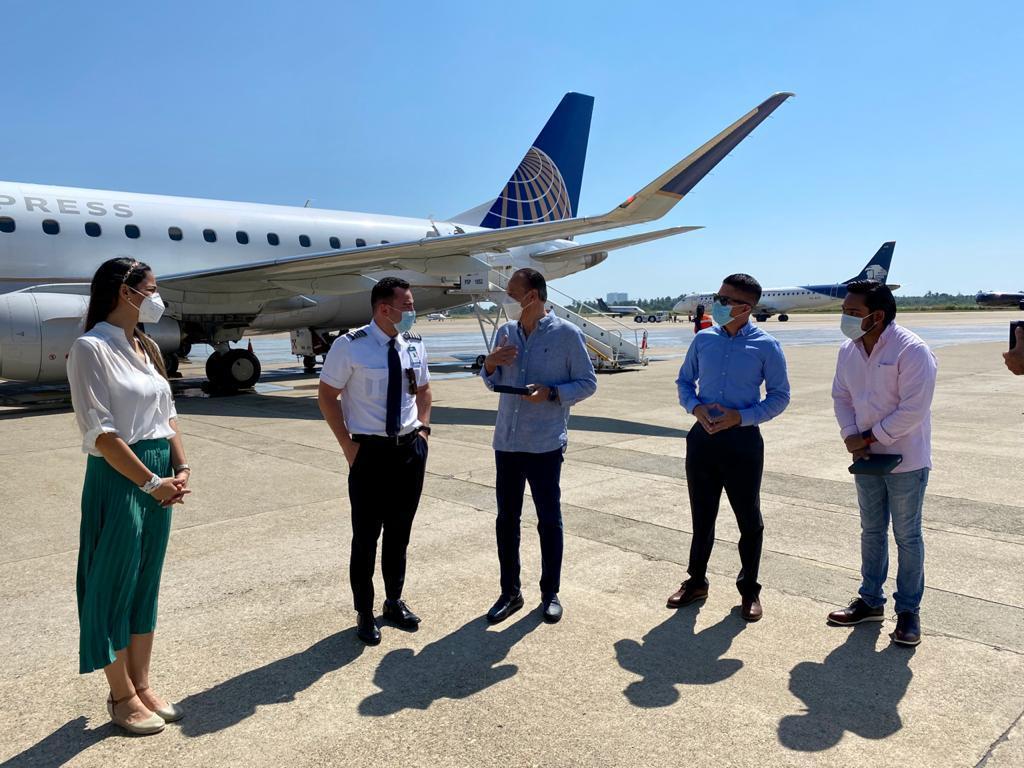 Reinicio de operaciones de United Airlines en Acapulco 2