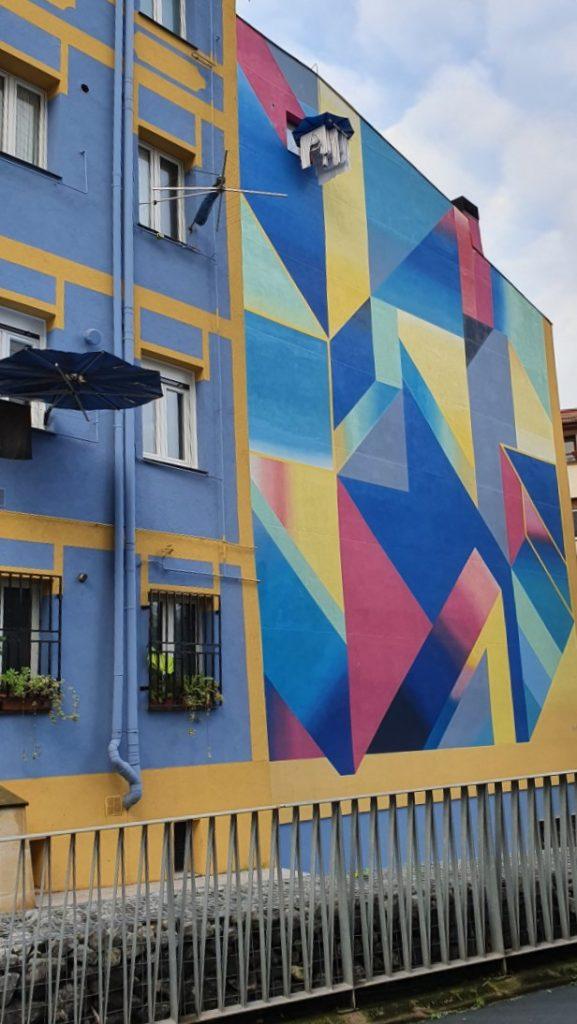 OVNI mural Bilbao