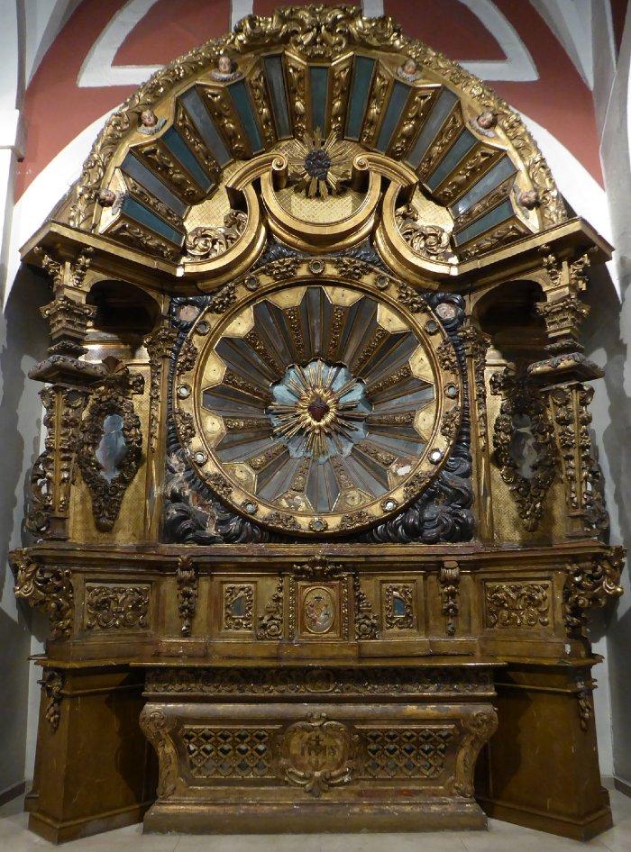 Retablo en la iglesia de Los Santos Juanes