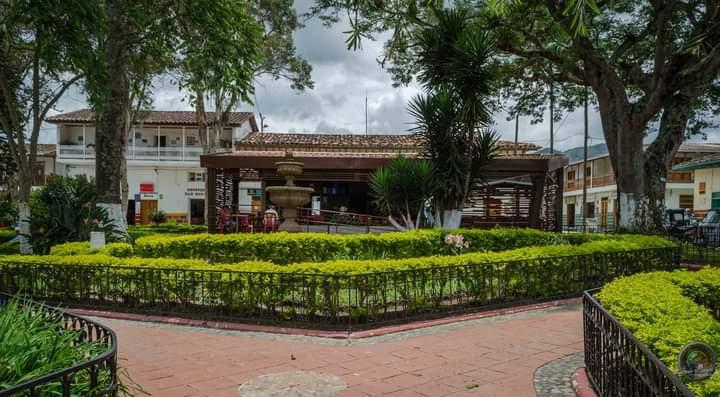 parque principal municipio de Carolina del príncipe