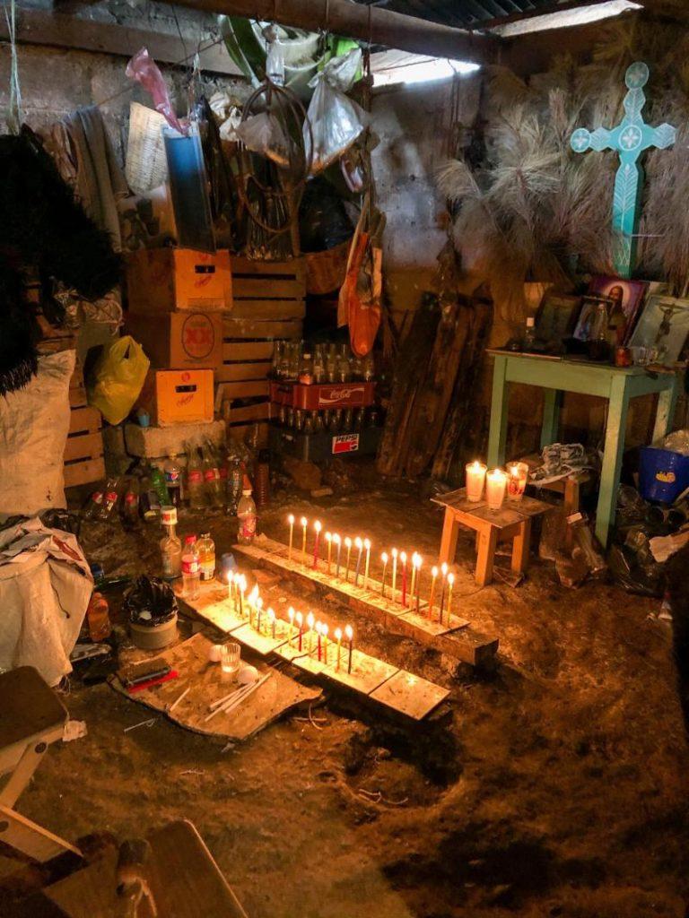 Ritual para limpiar en San Juan Chamula