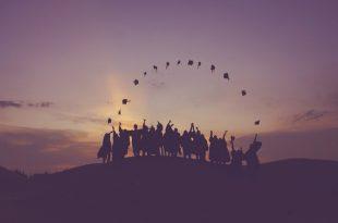 egresados de una carrera universitaria