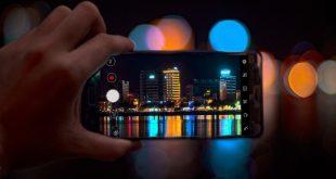 Destino turístico visto desde un celular