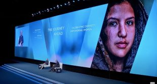 Martina Navratilova durante el Congreso del WTTC