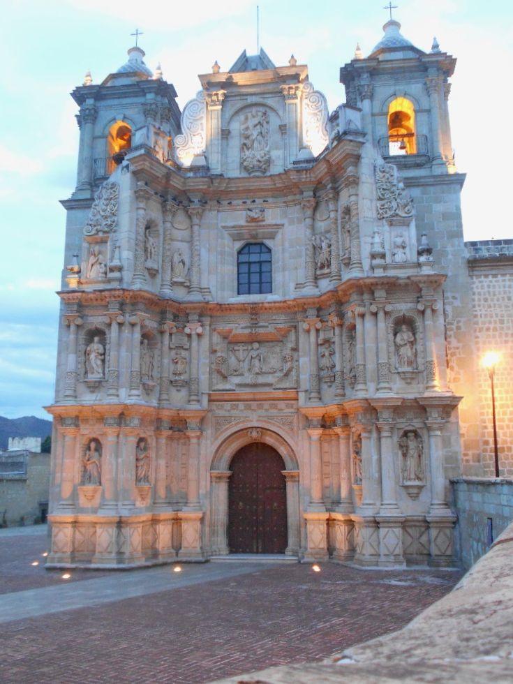 Basílica de la Virgen de la Soledad en Oaxaca