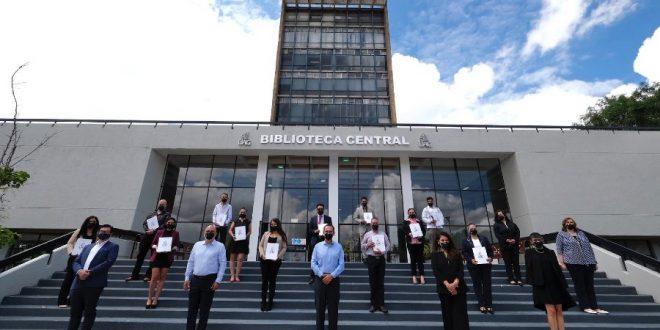 Graduados del Diplomado de Formación Académica para Guías de Turistas Generales de la UAG