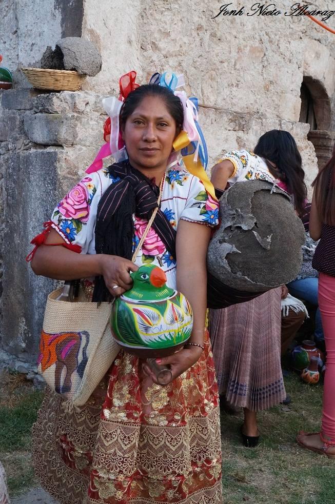 mujer purépecha de Pichátaro