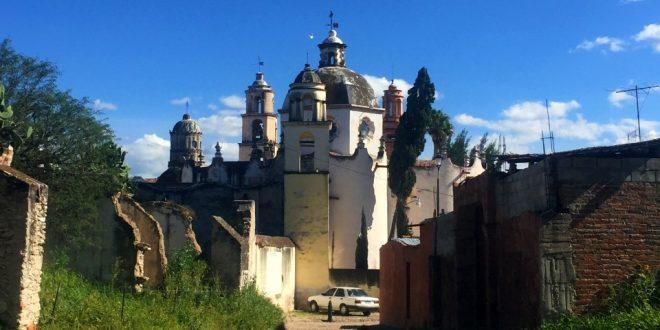 Calles en Atotonilco y Santuario de Jesús Nazareno