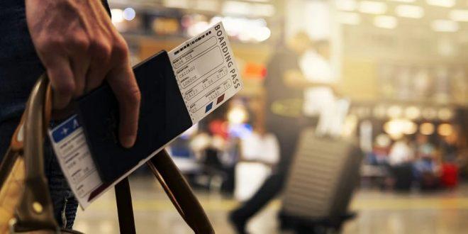 Boleto de avión en aeropuerto