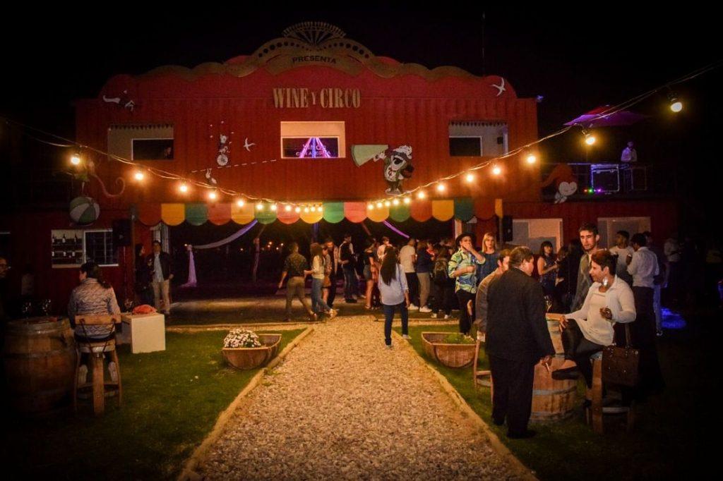 Gente en Wine y Circo